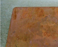 自然酸化皮膜が付着した銅板をエスクリーンS-800に5秒浸漬して酸化皮膜除去する前