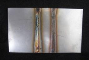 ステンレス板の溶接焼け取り前