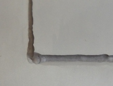 SUS304板の溶接焼け取り処理後(拡大)